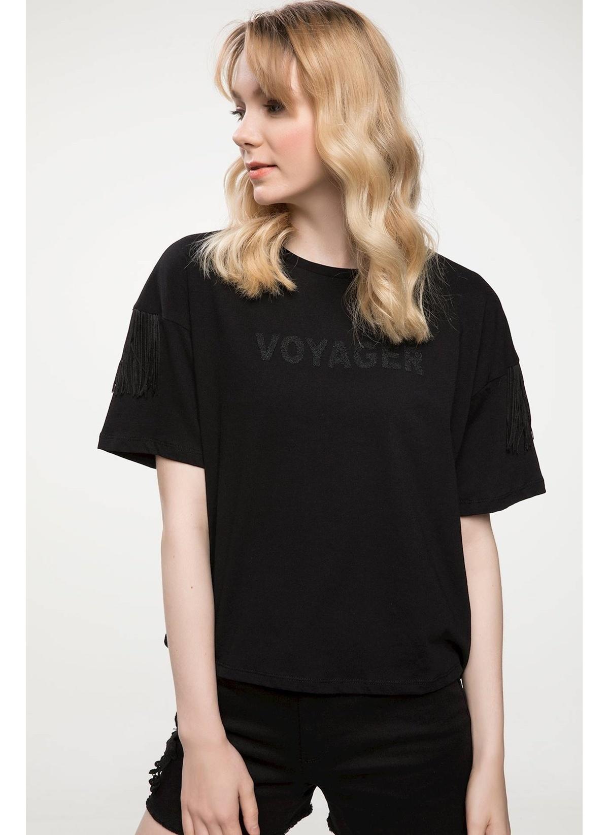 Defacto Yazı Baskılı Kol Püskül Detaylı T-shirt J1501az18smbk27t-shirt – 29.99 TL